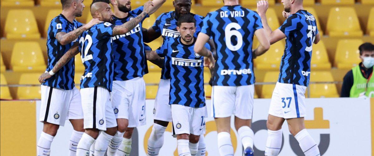 """""""อินเตอร์""""บุกสอนบอลเบเนเวนโต้5-2 กัลโช เซเรีย อา อิตาลี"""