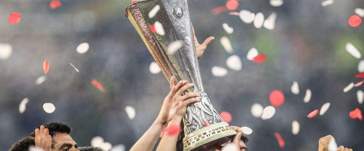 ริโอ,ฮาร์กรีฟส์,สโคลส์ ประสานเสียง ผีได้แชมป์ ยูโรป้า ยูโรป้า ลีก