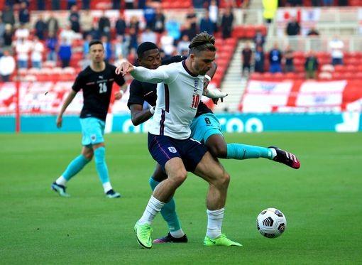 """""""อังกฤษ""""ใช้สำรองอุ่นแข้งเฉือนออสเตรียหืด1-0"""