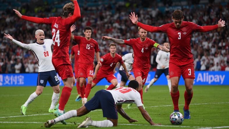 ลินิเกอร์ ชม สเตอร์ลิ่ง หลังช่วยให้อังกฤษเข้าชิงยูโรสำเร็จ ยูโร 2020