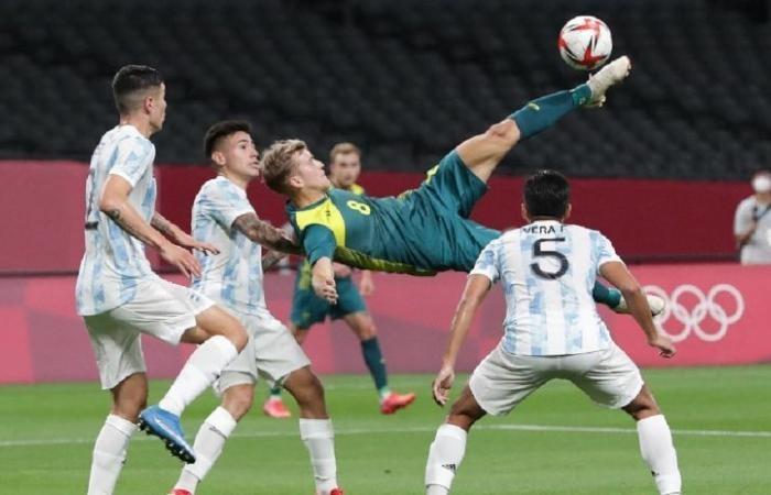 ออสเตรเลีย ถลุง อาร์เจนสิบตัว 2-0 เปิดหัว โอลิมปิก ทีมชาติ
