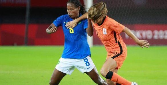 ฟุตบอลหญิงโอลิมปิก : บราซิลได้แค่เจ๊า, อเมริกาอัดกีวี ทีมชาติ