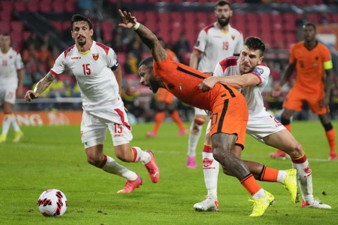 """""""ฮอลแลนด์""""ฟอร์มดุเปิดรังขี้มอนเตเนโกร4-0 ทีมชาติ"""