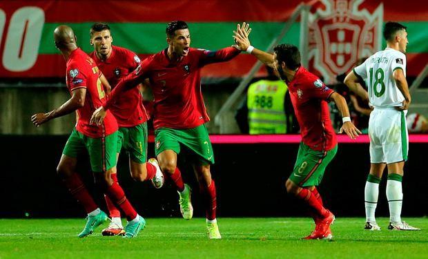 """""""โรนัลโด้""""ยึดดาวยิงทีมชาติซัดเบิ้ลโปรตุเกสแซงยักษ์เขียว2-1 ทีมชาติ"""