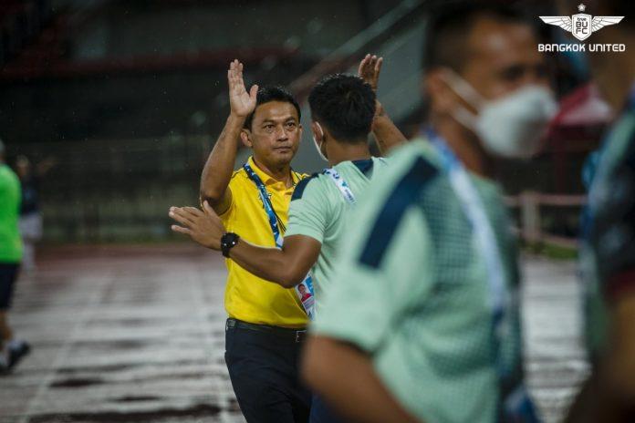 โค้ชแบน มั่น แข้งเทพ กำลังคึกเชื่อดีพอบุกพิชิต ราชบุรี ฟุตบอลในประเทศ
