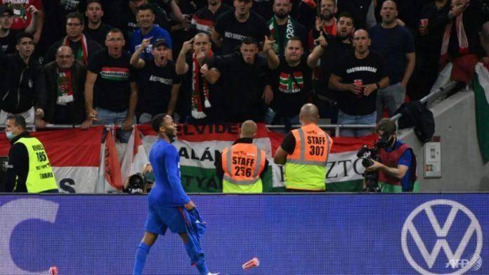 ฟีฟ่า แบนแฟน ฮังการี ชมเกม หลังเหยียดผิวแข้งอังกฤษ ทีมชาติ