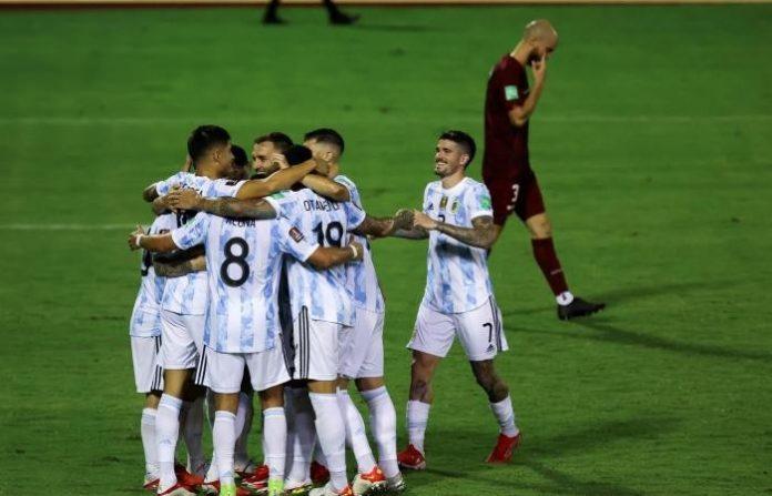 ฟ้าขาวยังฟอร์มสวยถลุงเวเนซุเอลาสิบคน 3-1 ทีมชาติ